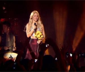 Shakira en live sur Nothing Else Matters