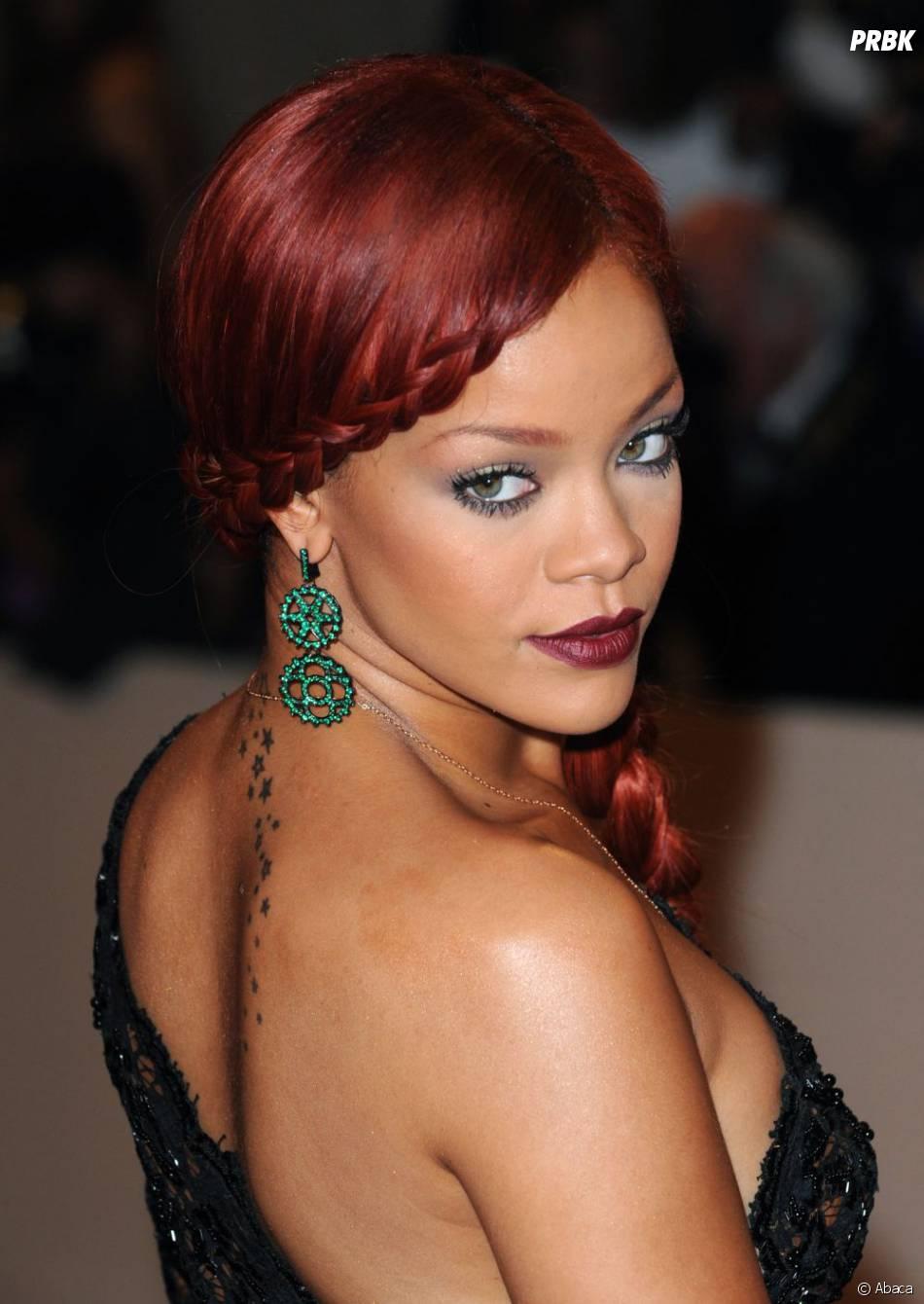 Rihanna, torride, en sirène rousse