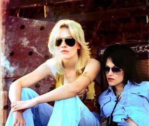 Dakota Fanning, détente, aux côtés de Kristen Stewart dans the Runaways