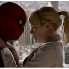 The Amazing Spider-Man : Emma Stone craque pour un Andrew Garfield masqué ! (VIDEO)