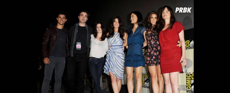 Ashley Greene, Kristen Stewart et le casting de Twilight