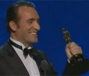 Jean Dujardin remporte l'Oscar du meilleur acteur