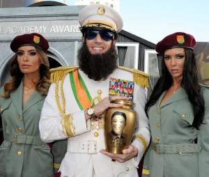 Sacha Baron Cohen joue les dictateurs sur le tapis rouge