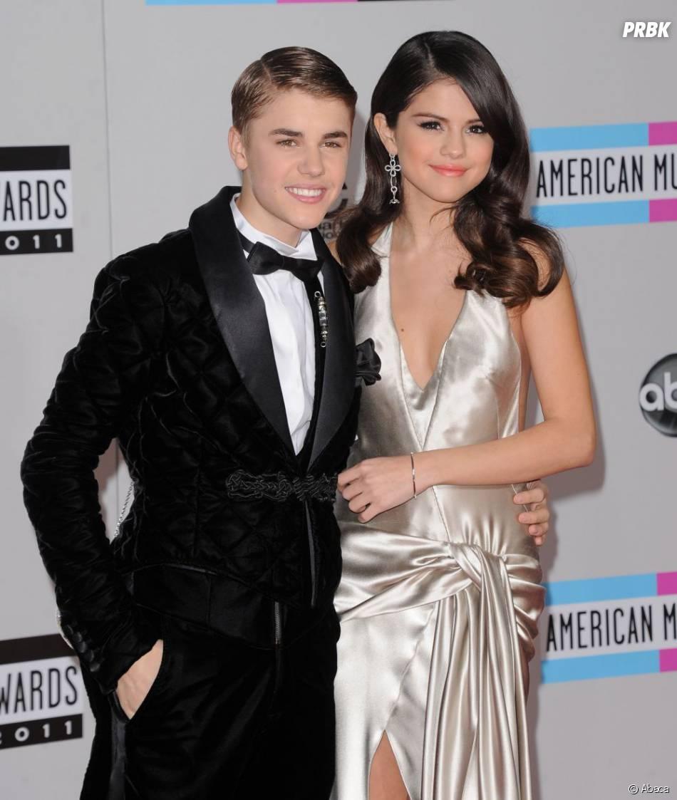 Justin Bieber avec Selena Gomez aux American Music Awards 2011