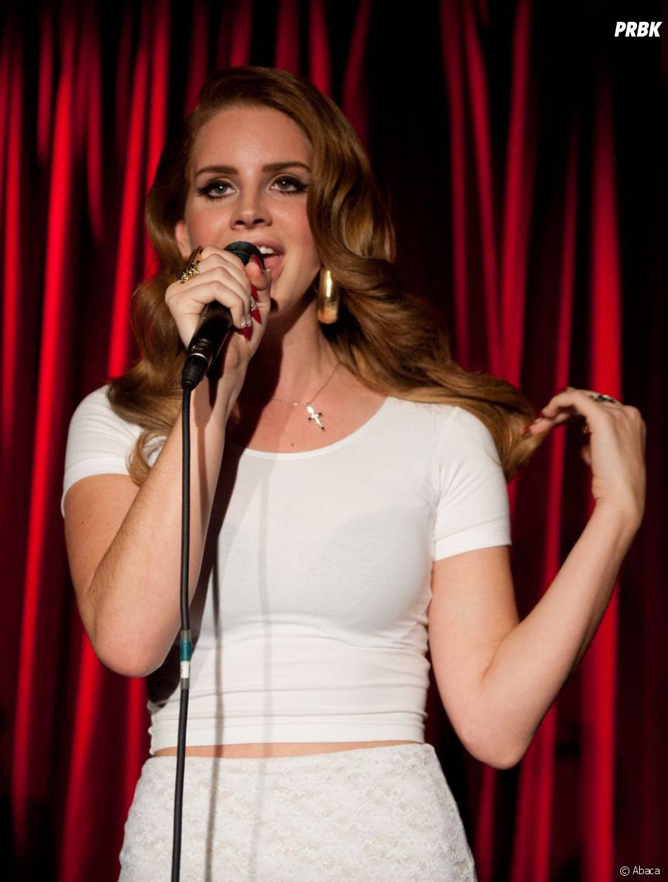 Lana Del Rey chante hihihih