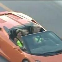 Vanessa Hudgens et Ashley Benson : deux filles dans le vent au volant d'une Lamborghini ! (VIDEO)