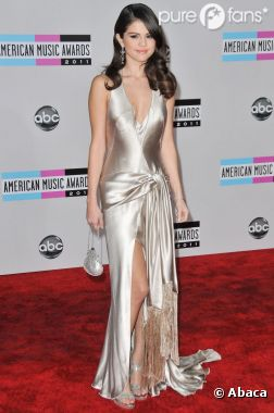 Selena Gomez, somptueuse sur le tapis rouge