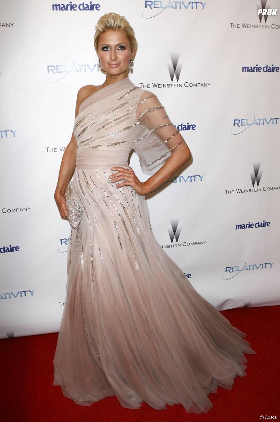 Paris Hilton n'en a pas marre des strass et paillettes
