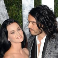 Katy Perry : Russell Brand réclame une seconde chance et pourrit un fan par jalousie (VIDEO)
