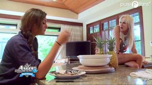 Julia et Marie discutent de Geoffrey