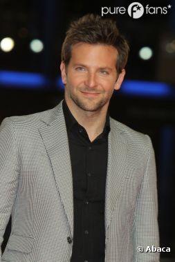 Bradley Cooper hyper sexy