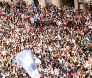 La foule en délire pour accueillir l'équipe des Anges, Le Mag
