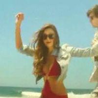 Nina Dobrev se met à la chanson et joue sa sexy b*tch ! (VIDEO)