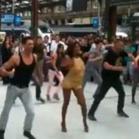 Shy'm à Gare de Lyon : danseuse sexy  pour un flashmob ! (VIDEO)
