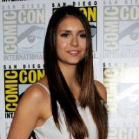 Vampire Diaries (Comic Con) : Nina Dobrev montre ses jambes, Paul Wesley joue le séducteur ! (PHOTOS)