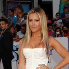 Ashley Tisdale : oufissime dans sa robe pour soutenir son boyfriend ! (PHOTOS)