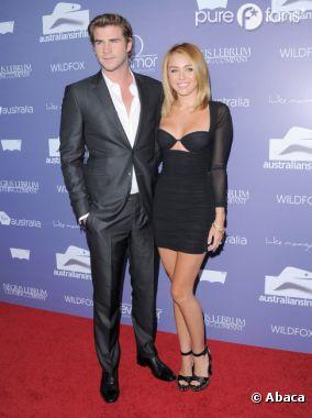 Liam Hemsworth kiffe la nouvelle coupe de Miley Cyrus