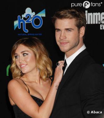 Miley Cyrus et Liam Hemsworth s'éclatent sous la couette !