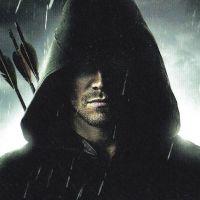 Arrow saison 1 : Découvrez les coulisses du nouveau super-héros (VIDEO)
