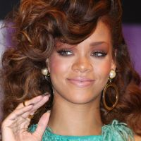 Rihanna : Chris Brown et Karrueche Tran se rapprochent, Riri craque sur Twitter !