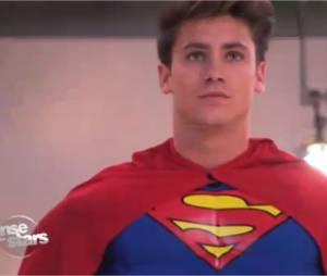 Bastian Baker devient Superman pour la spéciale cinéma de Danse avec les stars !