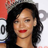 Rihanna : Sexy à souhait pour devenir la reine d'Halloween ! (PHOTOS)