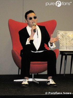 PSY revient sur le phénomène Gangnam Style en conférence de presse à Paris !