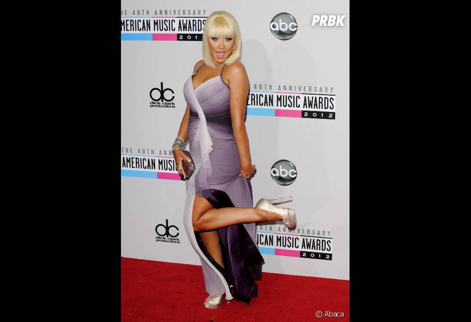 Christina Aguilera assume ses rondeurs
