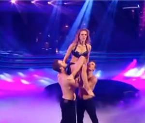 Danse avec les stars 3 : Lorie, sauvage et sexy sur sa danse en trio