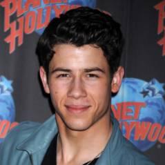 Nick Jonas en couple avec une mannequin ? (PHOTOS)