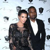 Kim Kardashian enceinte et sexy : la future maman s'éclate avec Kanye West pour le nouvel An