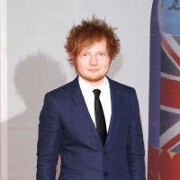 Ed Sheeran habillé comme un clochard selon le magazine GQ