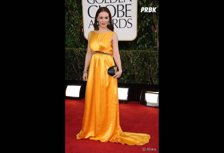 Trop de jaune aux Golden Globes 2013 pour Alyssa Milano
