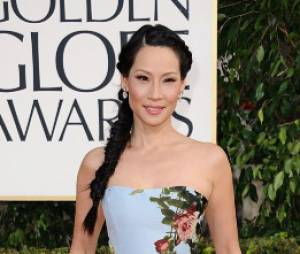 Lucy Liu fait un flop avec sa robe fleurie aux Golden Globes 2013