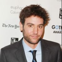 Josh Radnor (How I Met Your Mother) célibataire : il galère en amour comme Ted Mosby !