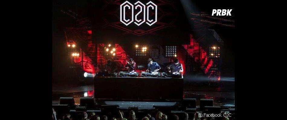 Sur scène, les 4 DJs font le show