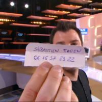 Michaël Youn file le numéro de Sébastien Thoen en direct au Grand Journal