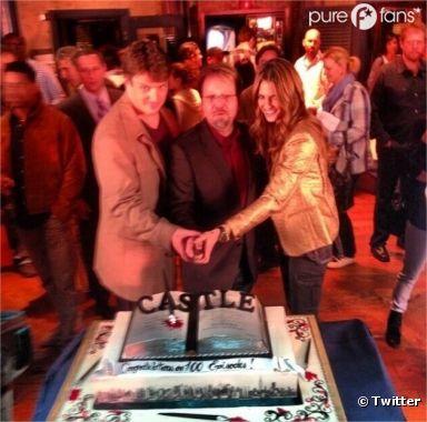 Stana Katic, Andrew Marlowe et Nathan Fillion fêtent le 100ème épisode de Castle