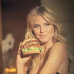 Heidi Klum : cougar sexy et affamée pour une pub Carl's Jr