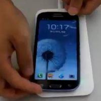 Samsung Galaxy S4 : chargeur sans fil, View Cover, les accessoires à avoir !