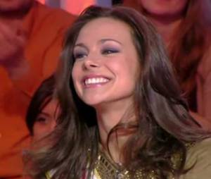 Marine Lorphelin, Miss France 2013, était assise en face de Bernard de La Villardière pour l'émission de Paris Première 17e sans ascenseur diffusée le 16 mars 2013