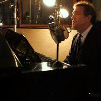 Dr House saison 8 : de la blouse au blues, Hugh Laurie vous offre son nouveau single