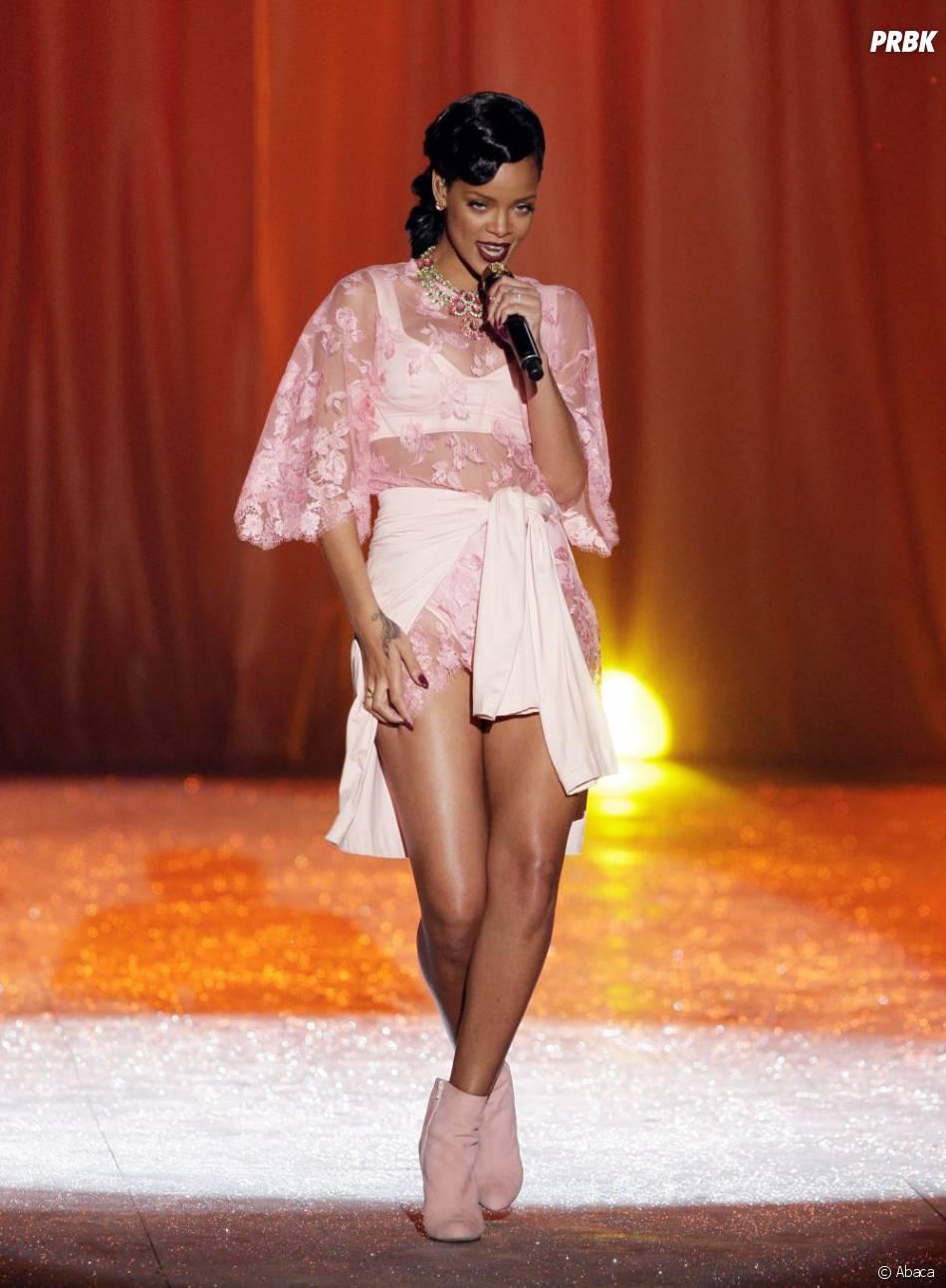 Rihanna est tombé gravement malade il y a environ deux semaines
