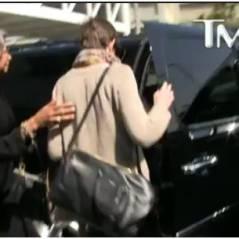 Anne Hathaway : dans la voiture d'un inconnu...pour fuir un paparazzi
