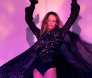 Vanessa Paradis très sensuelle dans le clip de Love Song