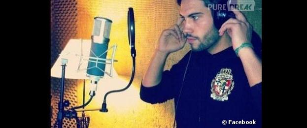 Kevin Miranda a posté une photo de lui sur Facebook en studio d'enregistrement.