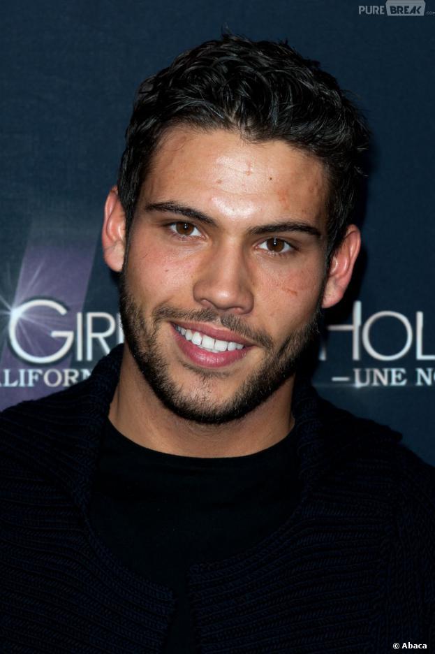 kevin girls En 2012, il incarne le héros de hollywood girls durant quatre saisons : kevin mirez, un ancien escort voulant devenir acteur.
