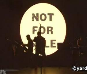 kanye West a dévoilé son nouveau titre Black Skinhead sur le plateau du Saturday Night Live