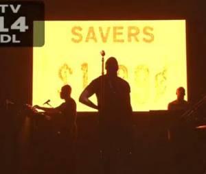Kanye West interprète New Slaves sur le plateau du SNL