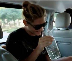 Kesha boit son urine